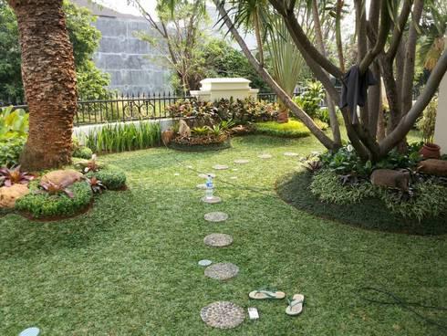 Jasa taman jember:  Gedung perkantoran by NISCALA GARDEN | Tukang Taman Surabaya