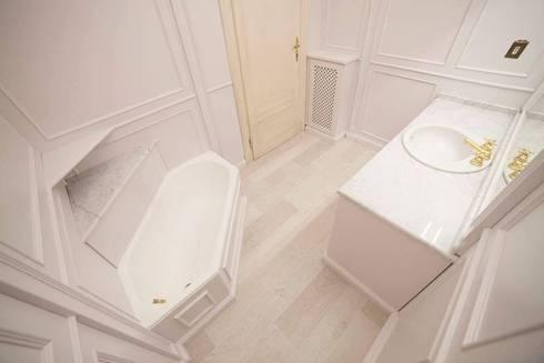 Boiserie per bagno di Falegnameria Grelli Danilo   homify