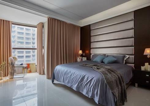 Smiley Manor:  臥室 by 築一國際室內裝修有限公司