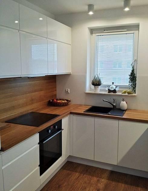 Feza Mutfak – Beyaz akrilik mutfak dolabı:  tarz Mutfak