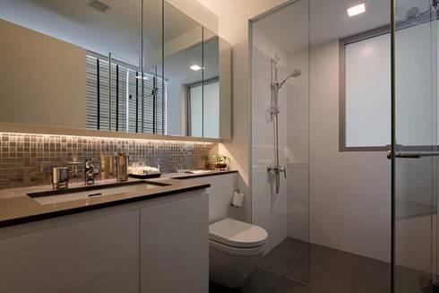 Minton Condo Interior Design Singapore: modern Bathroom by Posh Home