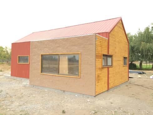 Vivienda prefabricada 52 m2. : Casas de estilo industrial por Estudioeco21