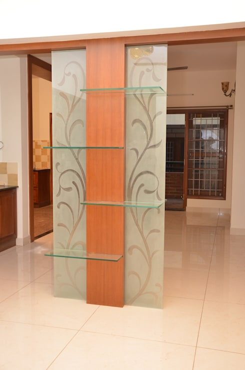entryway sets:  Living room by Scale Inch Pvt. Ltd.