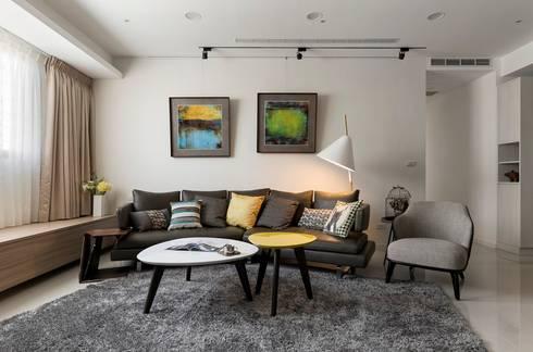 遊藝 blossom :  客廳 by 耀昀創意設計有限公司/Alfonso Ideas