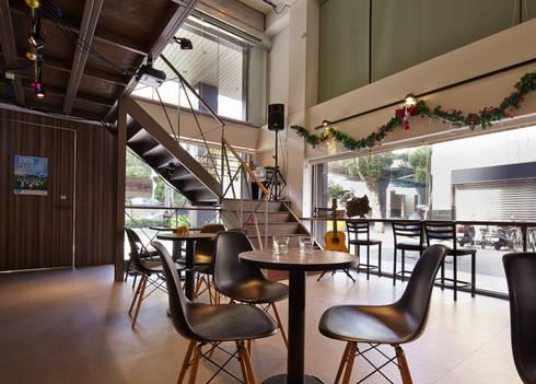 TPI CAFE:  餐廳 by 耀昀創意設計有限公司/Alfonso Ideas