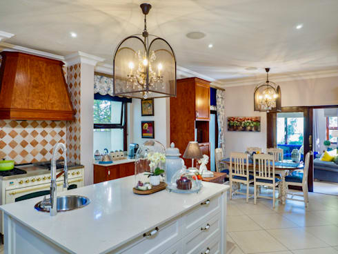Kitchen: classic Kitchen by Carne Interiors