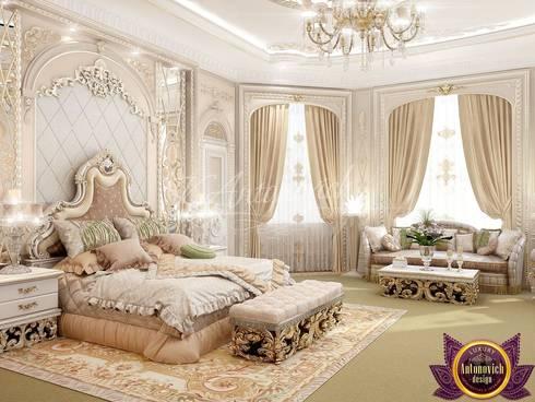 Populent master bedroom design of Katrina Antonovich: classic Bedroom by Luxury Antonovich Design