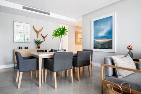 WATERFRON STAY_GULMARN APARTMENTS: scandinavian Dining room by MINC DESIGN STUDIO