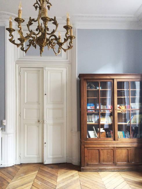 Saint Paul - Salon: Salon de style de style Classique par Atelier d'architecture ASTA