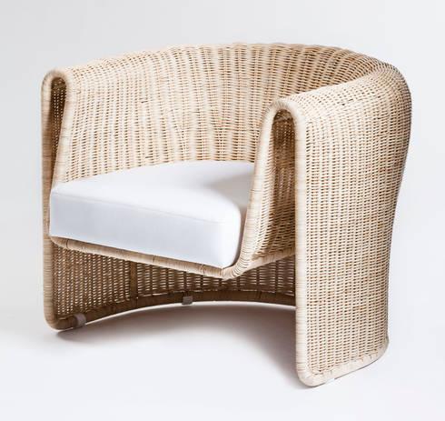 Slump chair: modern Living room by Egg Designs CC