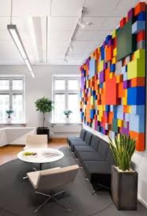 ALTERNATIVAS DIFERENTES PARA EL HOGAR : Sala multimedia de estilo  por DISEÑOSLA