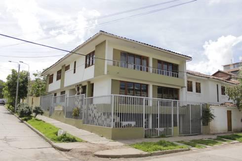 FACHADA ANTIGUA:  de estilo  por FRANCO CACERES / Arquitectos & Asociados