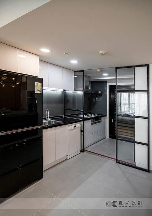 富立DC休閒會館:  廚房 by 寬森空間設計