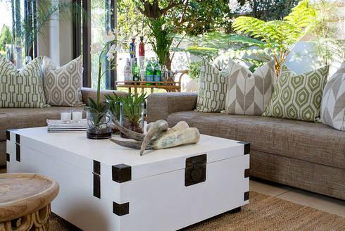 Recent Decorating Projects - Joseph Avnon Interiors: classic Living room by Joseph Avnon Interiors