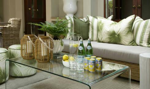 Recent Decorating Projects—Joseph Avnon Interiors: tropical Living room by Joseph Avnon Interiors