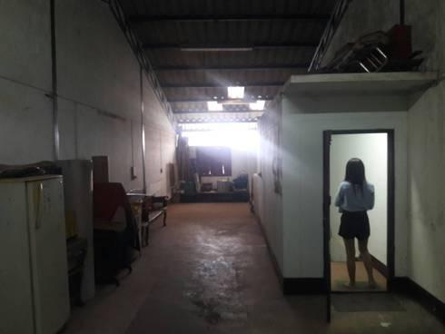 รีโนเวทตึกแถว 3 ชั้นครึ่งเป็นร้านอาหาร:   by KENG DESIGN