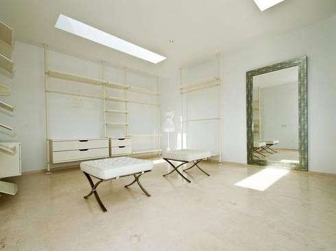 pavimento interior en caliza blanca