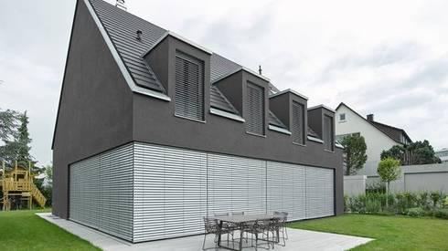 Sonnenschutz für Fenster+Fassade: klassische Häuser von Markisen Zanker
