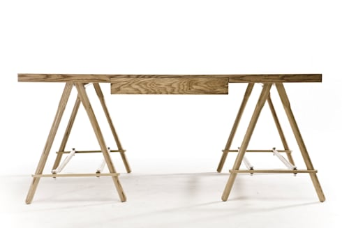 Tressel desk:  Office spaces & stores  by Egg Designs CC