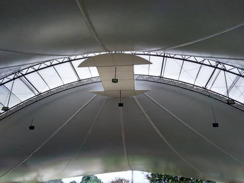 Colegio Alemán - Interior: Gimnasios  de estilo  por Bocanumenth Arquitectura Textil