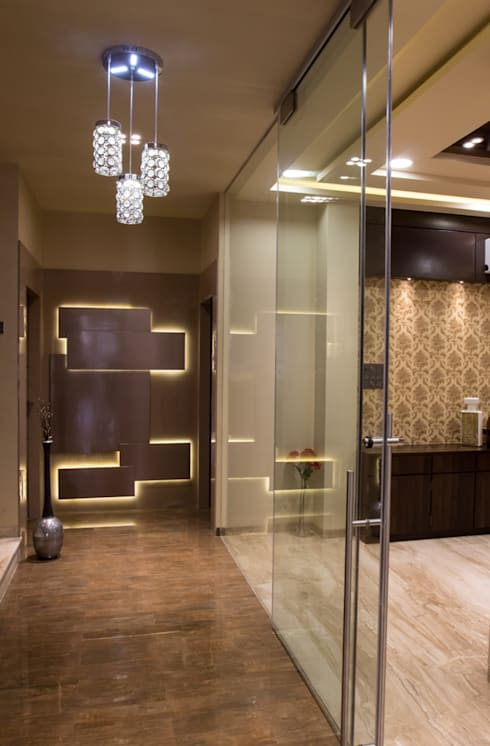 Singh Bunglow - Kalyan:  Corridor & hallway by Aesthetica