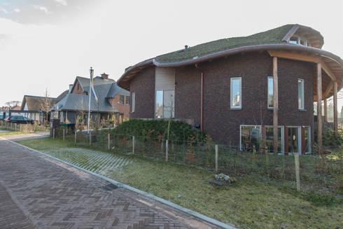 Vrijstaande woning te Aerdenhout :   door VAN LAARHOVEN COMBINATIE