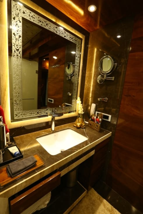 Basant Park - Chembur:  Bathroom by Aesthetica