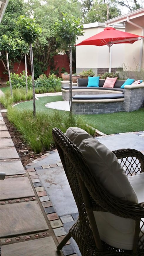 New outdoor room for Pieter and Annelize: modern Garden by Gorgeous Gardens