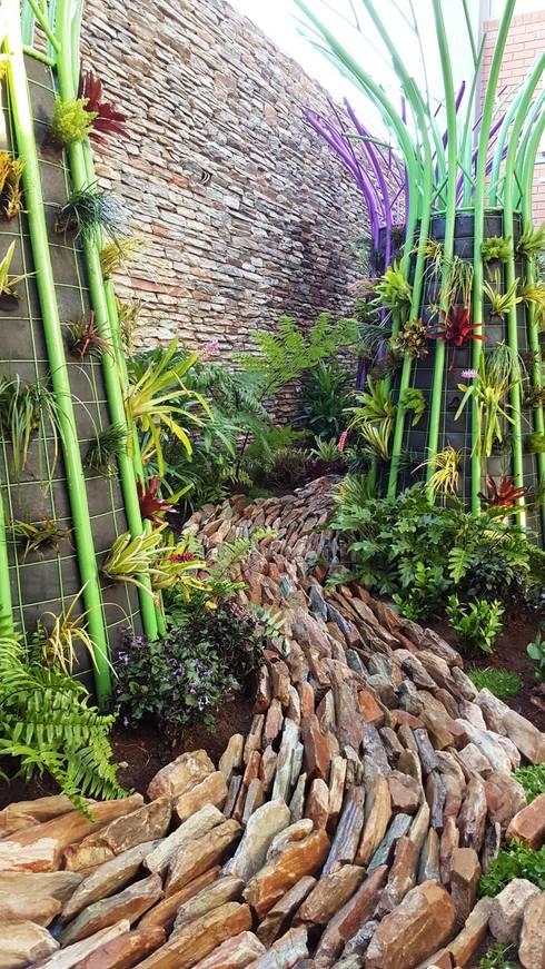 New garden for Hendrick: modern Garden by Gorgeous Gardens
