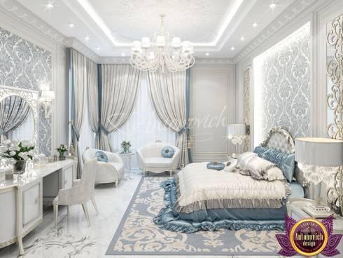 Lovely bedroom design from Katrina Antonovich: classic Bedroom by Luxury Antonovich Design