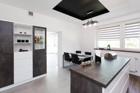 Jadalnia w kuchni: styl , w kategorii  zaprojektowany przez in2home