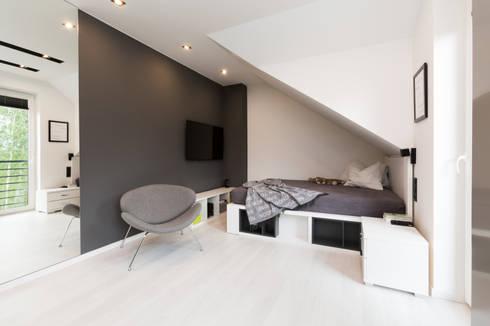Sypialnia nastolatki: styl , w kategorii Sypialnia zaprojektowany przez in2home