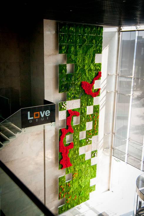 Jard n vertical en hall de entrada oficinas centrales for Jardin vertical oficina