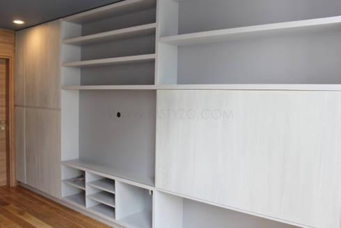 Mueble de TV con almacenamiento extraíble de MSTYZO Diseño y ...