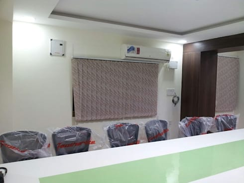 Office Interior Decorators in Bangalore: asian Study/office by Scale Inch Pvt. Ltd.