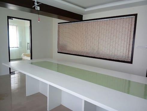 Office Space Interior Design: asian Study/office by Scale Inch Pvt. Ltd.