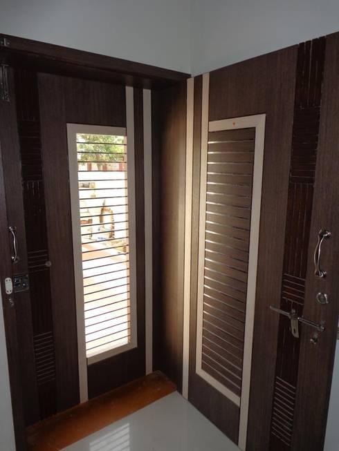 damka village:  Windows & doors  by SHUBHAM CONSULTANT & INTERIOR DESIGNING