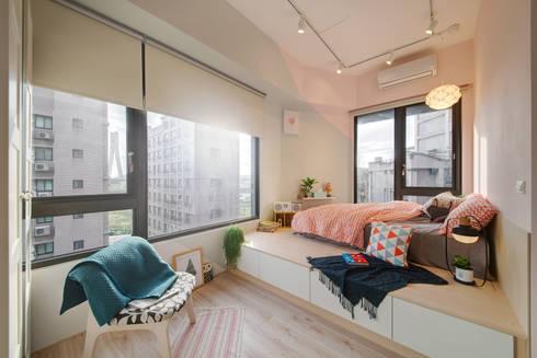 明亮舒服的主臥空間 main bedroom:  臥室 by 一葉藍朵設計家飾所 A Lentil Design
