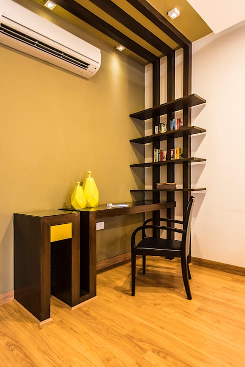 Bedroom-3 Study:  Bedroom by Studio An-V-Thot Architects Pvt. Ltd.