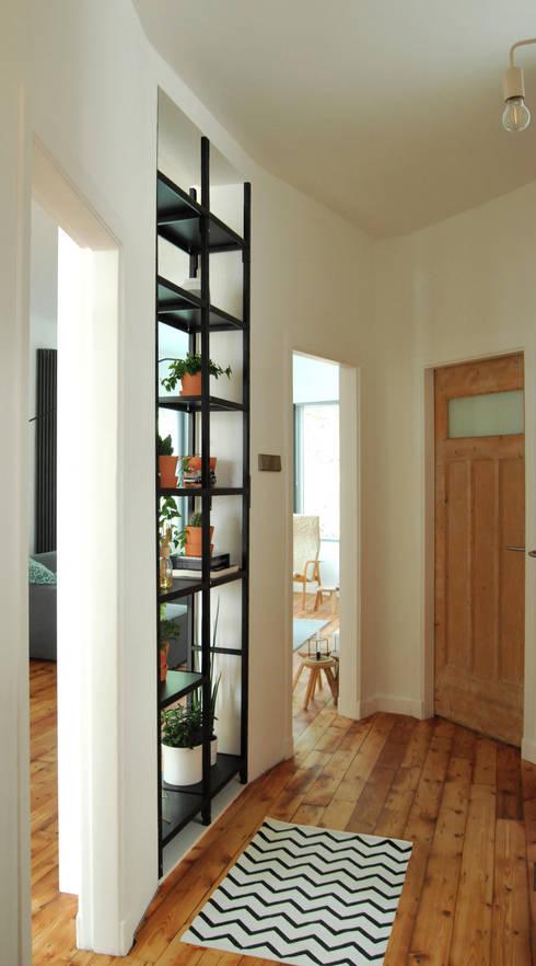 Gang en entree:  Woonkamer door Atelier Perspective Interieurarchitectuur
