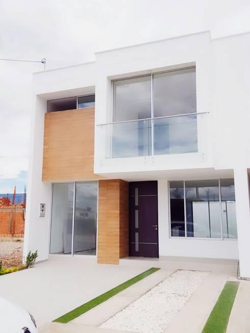 casas niza: Casas de estilo minimalista por CONSTRUCTOR INDEPENDIENTE