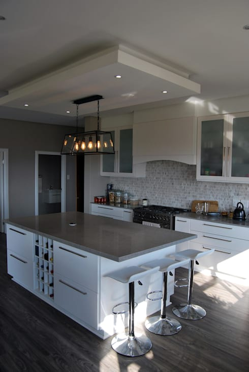Project : The Howards: classic Kitchen by Capital Kitchens cc