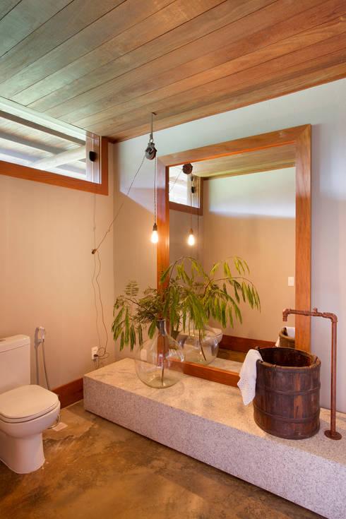 Phòng tắm by Gisele Taranto Arquitetura