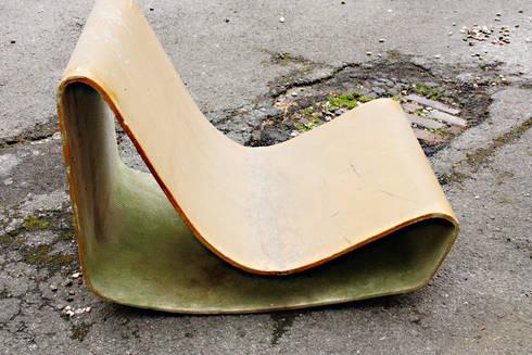 Willy Guhl Loop Chair: minimalistischer Garten von RICCIO