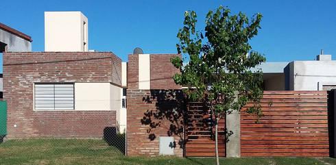 Casa Tierra de Sueños 3: Casas de estilo minimalista por ELVARQUITECTOS