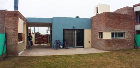 Casa Tierra de Sueños 3: Casas de estilo moderno por ELVARQUITECTOS
