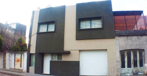 Casa M_1087: Casas de estilo moderno por ELVARQUITECTOS