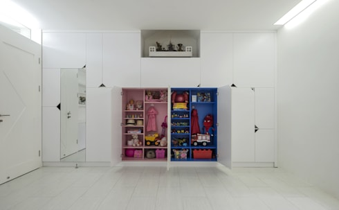 [HAPPY HOUSE 65] CĂN HỘ NHỎ NHƯNG ĐẦY ĐỦ CÔNG NĂNG:  Tường by Công ty cổ phần NỘI THẤT AVALO