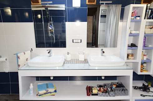 Bagno in camera moderno villa roma di interior design sn homify - Bagno in camera moderno ...