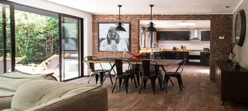 modern Dining room by RENOarq